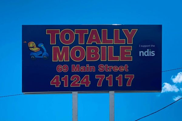 large-billboard-shop-sign-printed-installed-totally-mobile
