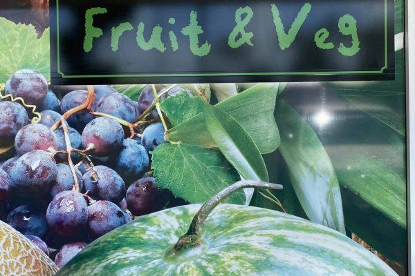 shop-window-decal-fruit-veg
